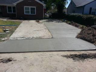 resurfacing-of-a-driveway-at-a-residence-in-indianapolis